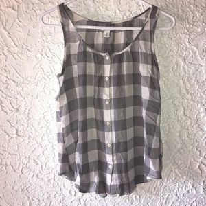 Old Navy size medium tank